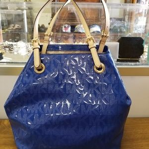 MICHAEL KORS ELECTRIC BLUE PATENT LEATHER TOTE